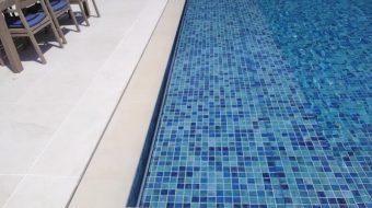 dm-zwembaden-afwerking-inbouw-t-and-a-inbouw-in-trap-voorbeeld-2
